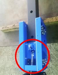 ブルーリフトの自動落下防止装置と自動停止装置