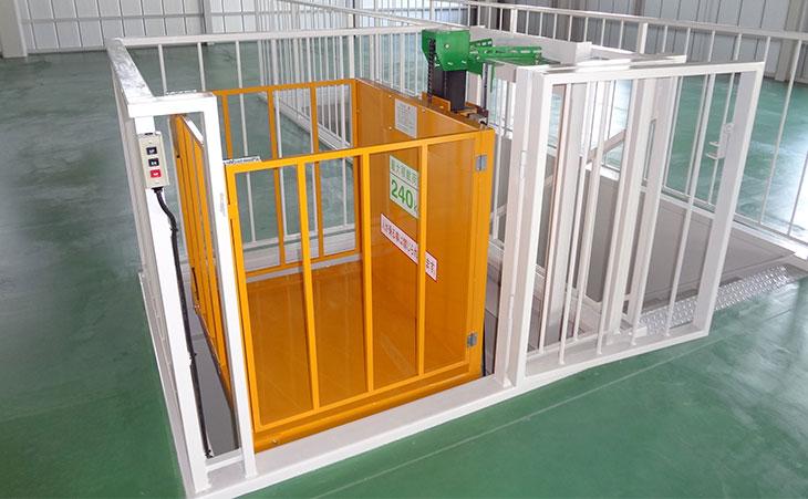 電動昇降機-倉庫