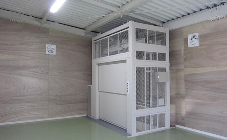 簡易リフト-広島県の倉庫