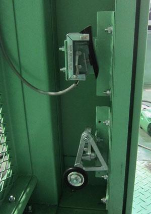 扉感知装置と外扉ロック装置