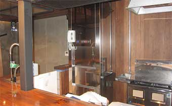 飲食店の小荷物専用昇降機