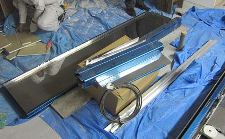 小荷物専用昇降機の部品