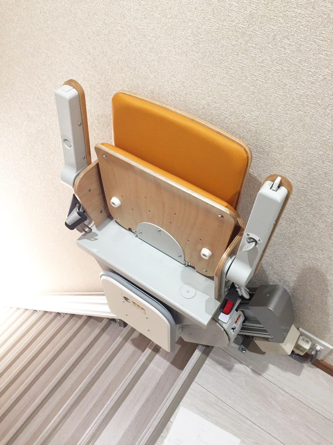 設置したいす式階段昇降機(2階から見た場合)