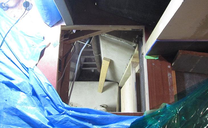 2階から見下ろした開口部